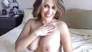 Sexy mature mexican enjoys a hard fuck and a big old facial