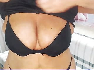 Annamaria live sexy chat - Live chat with hotandmature d58