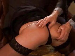 Girl fuck bed post Post-orgasmic cum fuck cochinadas