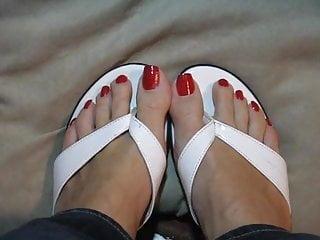 Sexy long wiggling toenails - Sexy long toenails