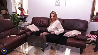 43YO mature Louise Du Lac fingering her ass and pussy