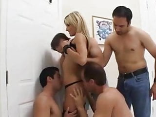 Simpsons fuck videos - Courtney simpson - blowbang throatfuck