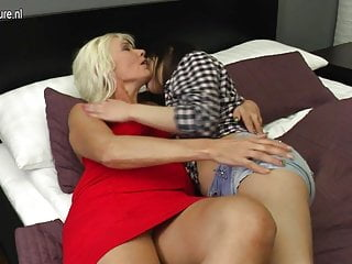 Amateur housewife sex video young - Hot babe doing a naughty lesbian housewife