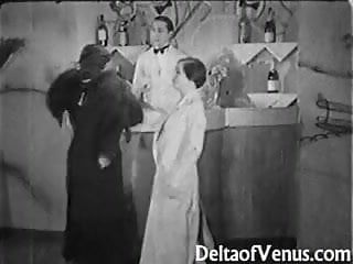Athletic ffm porn - Authentic vintage porn 1930s - ffm threesome