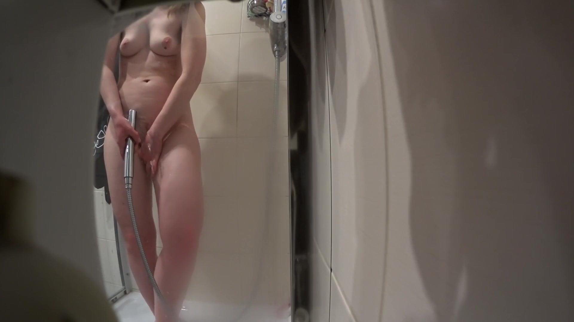 Voyeur Big Tits Shower Pics