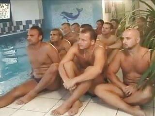 Geiler gruppen sex Dorothy black-meszaros dora-gruppen party bukkake.