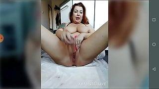 Redhead mature whit tattoo masturbation