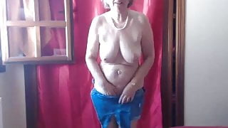 Step Mom loves to walk all day with a vibrator in her cunt