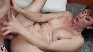 Mature mother opens her warm pussy for step son