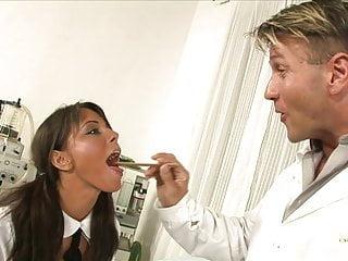 Dr ruth anal - Dr fickt seine kleine notgeile krankenschwester