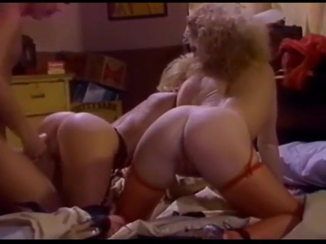 Hot Vintage Milf Threesome