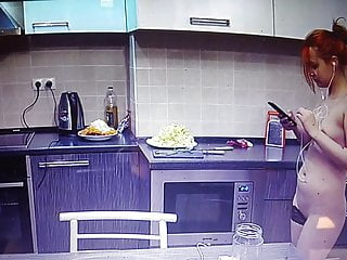 Home vid eo naked girl Naked girl at home and in the kitchen