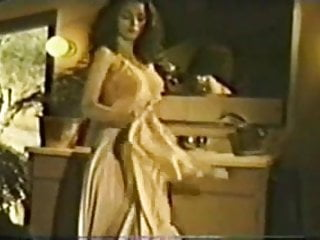 Shemale haven Se217 love in a hot tub - annette haven