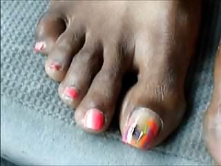 Hood milf Hood milf pink toenails