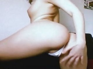 Free big things in pussy Very hot chick does naughty things on webcam