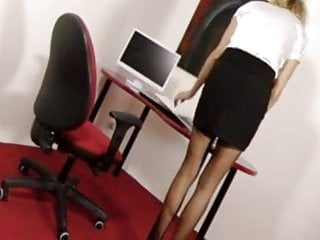 Sexy anime secretaries Stockings job on a sexy secretary