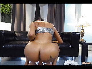 Huge black ass facesitting Huge black ass and tits get white cock