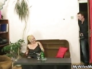Pussey old nasty fuck - Blonde mom in law is fucked after nasty photosession