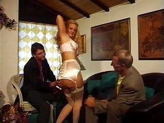Young fisting garrely Bea dumas dp fisting orgy..