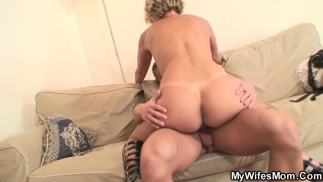 Lovely milf riding dick