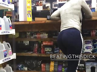 Fat azz ass video - Phat bubble azz in sweats