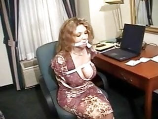 Miss extreme bondage She misses her meeting