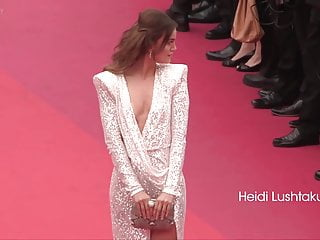 Cheerleader nip slip pussy slip videos - Beautiful model heidi lushtaku nip slip in red carpet