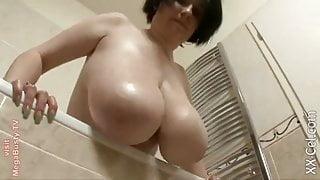 Filming stepmom taking shower