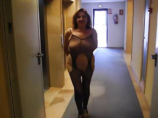 Nudist show - Showing all at an elevator