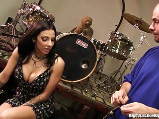 Sexy rocker videos Busty rocker babe gets fucked hard