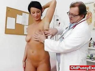 Antifungal medications for vagina Brunettes madam vagina test