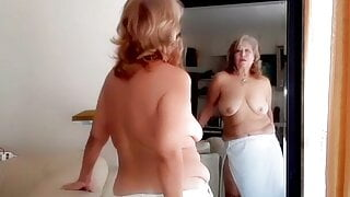 Seduction! Mature bbw Latina woman with hairy pussy