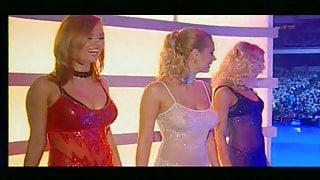 Gruppa Blestyaschie- Moskovskie Okna (Pesnya Goda 2003)