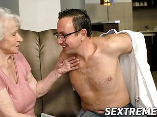 Voluptuous mature tgp Voluptuous granny lets young guy pound her good and hard