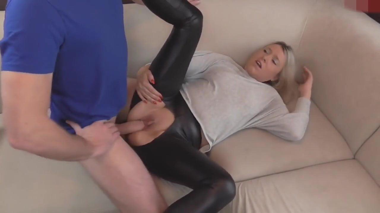 Girl in leggings get fuck porn