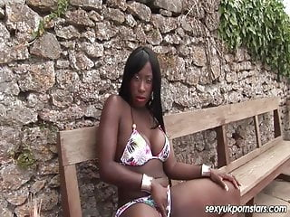 Pussy in the buff - British ebony melvina plays with her pussy in the sun