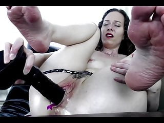 Steamy wet hot juicy pussy images - Layla toying her big wet juicy pussy on webcam and enjoying