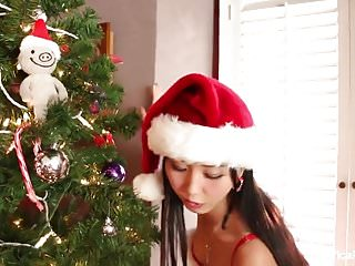 Christmas sexy story - Japanese cutie marica celebrates christmas with a sexy solo