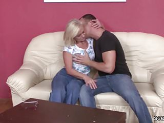 Best friends mom free porn videos - He seduce best friends mom to fuck and lost virgin
