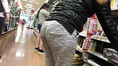 Latina milf booty 1 (bend over)
