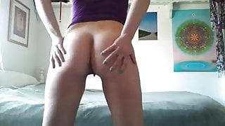 slave girl pissing while standing