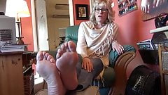 mature sexy feet and soles
