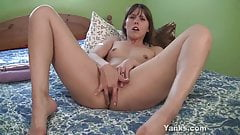 Yanks Cutie Amber Playing With A Big Dildo