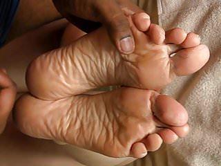 Sperm drinking girl slut load - Spermed soles - lyn gets a big load.
