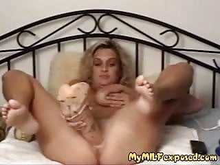 Sticking random objects in pussy - My milf exposed - hude objects and wine bottle in her pussy