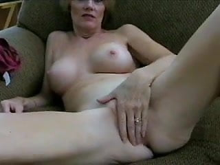Mature lips only She only fucks real men why you wank
