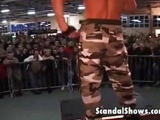 Gay musculer sex Sexy musculed guys seduce their fans