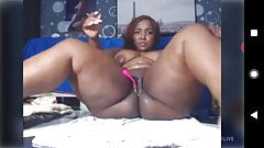 handjob Une grosse black avec une grosse chatte naked woman