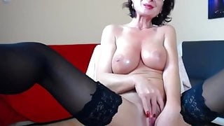Sexy Mature Woman With Nice Tits Is Masturbating On Webcam
