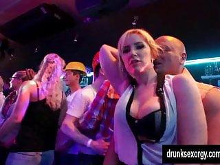 Cock licking bi Bi pornstars gets pussies licked in public
